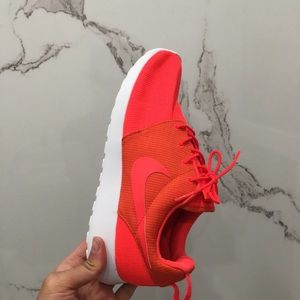 Orange Nike Roshe Size 10.5